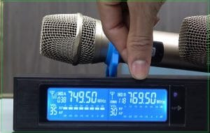 Cách chỉnh tần số Micro không dây UHF